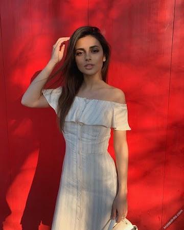 Elina Krupskaya Photo