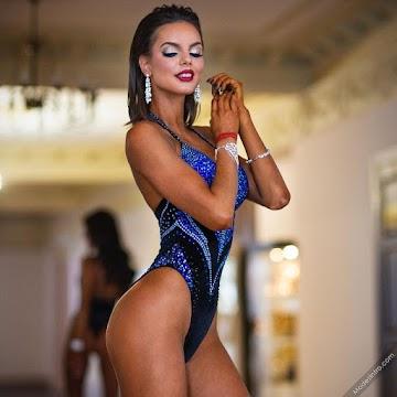 Anyuta Esaulkova Yesaula Photo