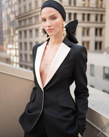 Sasha Luss 50th Photo