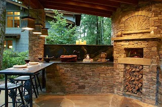 Outdoor Kitchen Pizza Oven Design with Wood Burning Rustic Patio