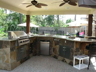 Complete Outdoor Kitchen Outside Design with Granite Counter