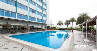 Kitchener Outdoor Pools Parkroyal on Road Hotel Oystercom Review