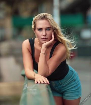 Eva Mikulski Photo