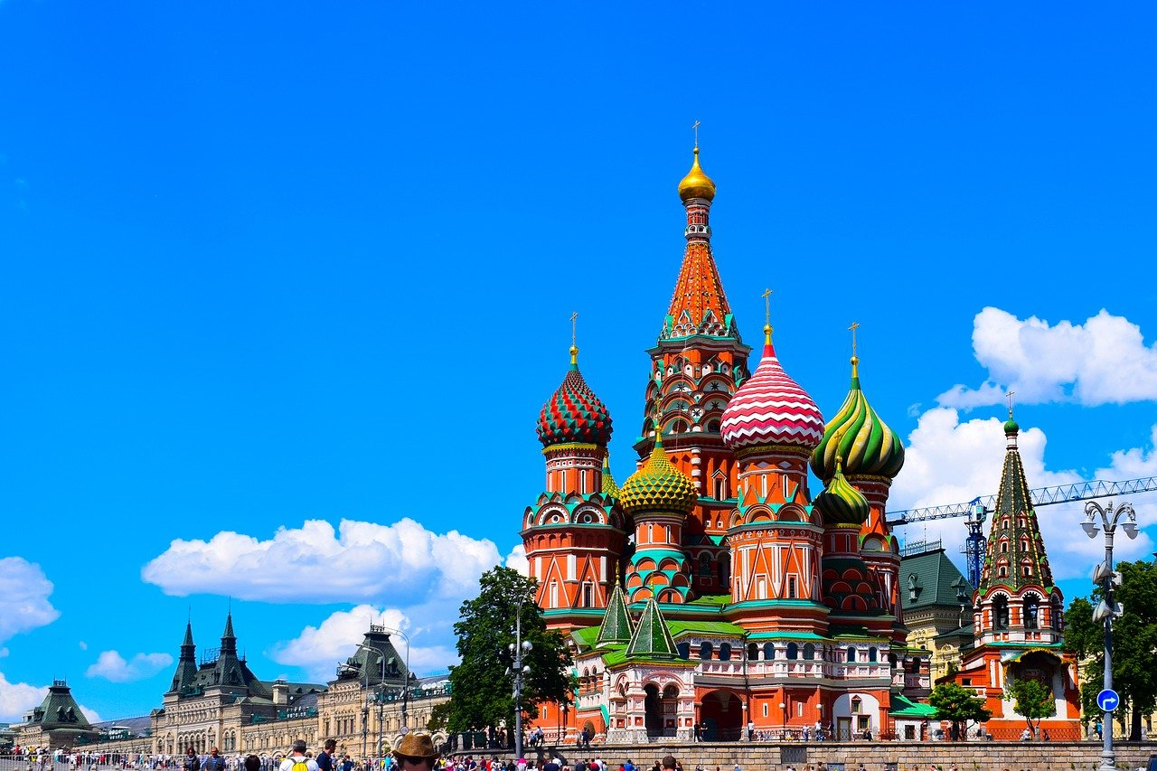saint-basils-cathedral-moscow-travel-russia-green-country-travel-book-hotels-flights-tours-holidays-visas-travel-insurance