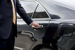 Weboldal készítés import használt autó ASTON MARTIN RAPIDE autó lízing