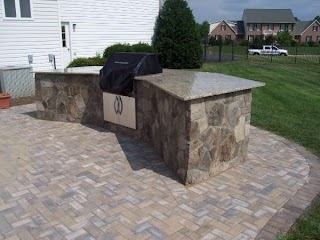 Flagstone Outdoor Kitchen Faced with Granite Top Ciminellis