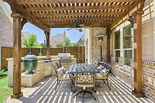 Outdoor Kitchens for Sale 10 Homes with Stunning