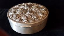 Caseta de argint model floral