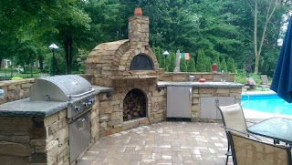 Outdoor Kitchen with Pizza Oven S