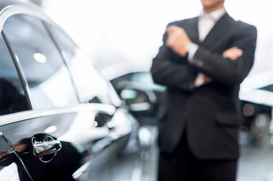 Weboldal készítés import használt autó ASTON MARTIN DB11 autó lízing