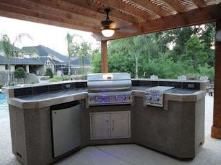 Outdoor Kitchen Canada Design