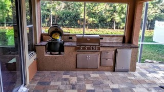 Outdoor Kitchen Store Patio with Stove