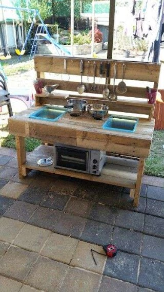Kids Outdoor Kitchen Mud Pallet Upcycle Made This for My