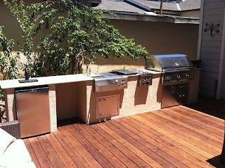 Outdoor Kitchen on a Deck Wood Nd T Rind