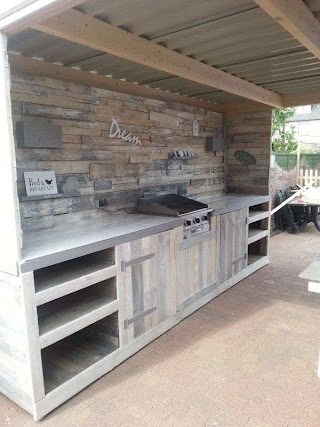 Outdoor Kitchen Cupboards Made From Repurposed Pallets Area