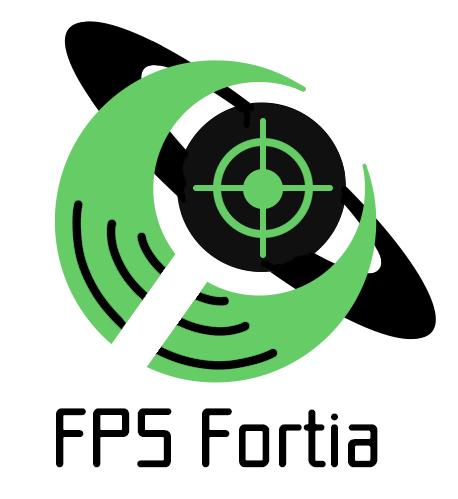世界や多様性を包み込むイメージの緑色の三日月と、スティグマや偏見を打ち破る力のイメージとFPSゲームを象徴する照準のアイコンが描かれたの黒の土星が重なり合うモチーフの下に、 FPS Fortiaの文字