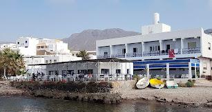 Este pequeño y humilde restaurante a orillas del Mediterráneo lleva casi 50 años ofreciendo el sabor de la tradición a sus comensales.