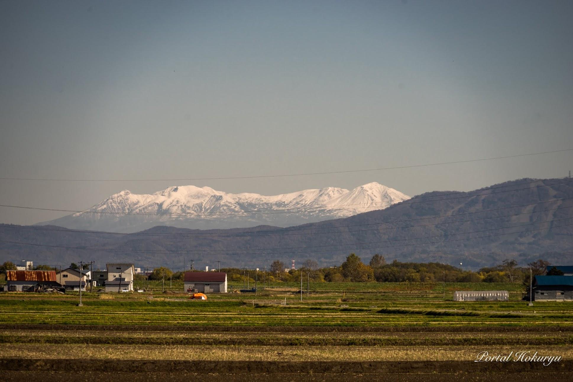 白さを増す大雪山連邦の山頂