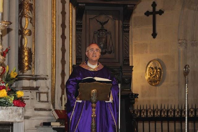El obispo, Adolfo González Montes, presidió la misa-funeral.