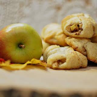 Mini Apple Pie Bites.