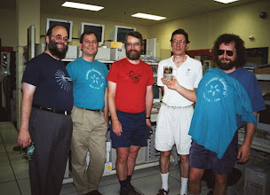 Photo: Jon Nightingale, George Lindholm, Paul Whaley, Bruce Jolliffe, and Dave Brent (or possibly Jerry Garcia}