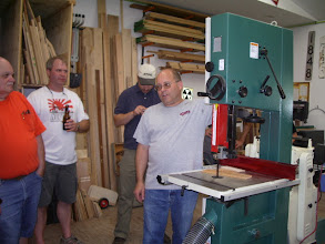 Photo: 2Dave explaining details of his new bandsaw...