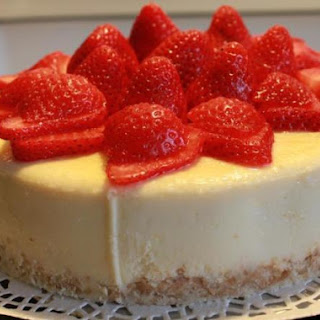 Coconut Strawberry-Rum Cheesecake