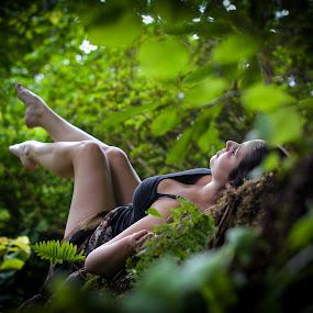 Legs up! by Fábio Moniz - People Portraits of Women