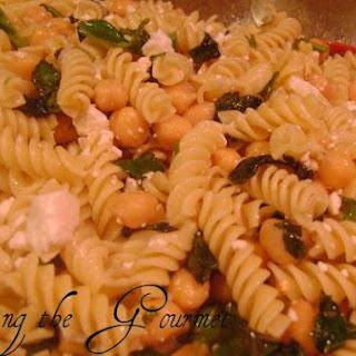 Macaroni With Fresh Basil and Chick Peas