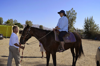 Photo: Hiếu (BX Đào công Minh) tập cởi ngựa