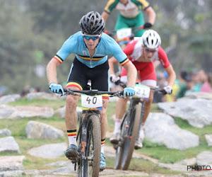 België valt net buiten top tien op WK mountainbike ploegenaflossing, wereldtitel voor derde jaar op rij naar zelfde land