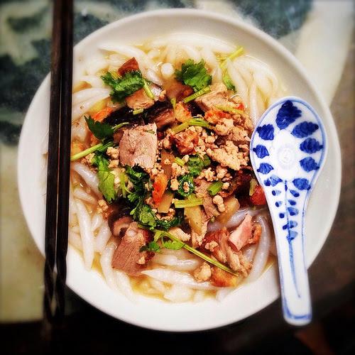 火鴨, 燒鴨, 老鼠粉, 銀針粉, 冬菇, Silver Pin Soup Noodles,  Roasted Duck, Mushrooms, chinese, noodle, recipe, rat tail noodle, silver needle noodle, short rice noodle