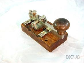 """Photo: Kleine stabile Handtaste hergestellt von -Siemens & Halske in St.Petersburg- gefunden in Bulgarien 1900/1920    """"RA""""  #435"""