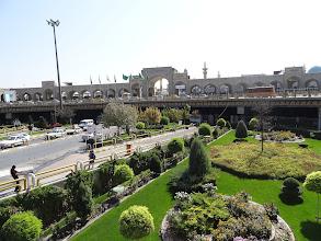 Photo: Komplex s názvem Imam Reza ale nezahrnuje pouze mauzoleum. Naleznete zde knihovnu, muzeum, univerzitu nebo také mešitu, která je svou rozlohou největší na světě.