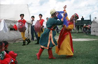 Photo: 03517 経棚郊外/克什克謄旗の旗長の歓迎パーティー/民族舞踊