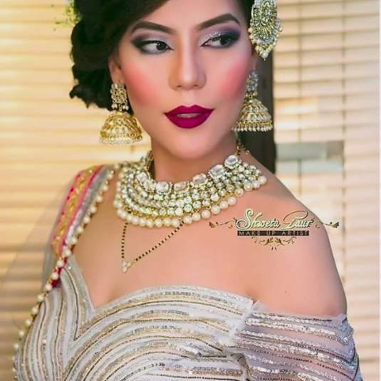 shweta-gaur-top-bridal-makeup-artists_image