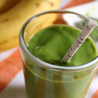 Green Smoothie with Mango + Banana.