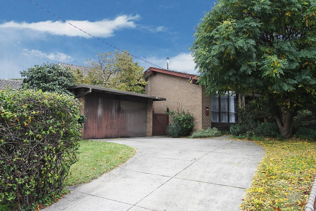Main photo of property at 3 Old Eastern Court, Oakleigh South 3167