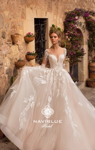 ac7a994023bc3b Платье Jeremy 18010 от Naviblue Bridal - 69900 руб.