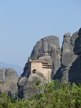 Photo: Un des monastères,  ici St Nicolos,  au cours de la semaine ils sont ouverts à tour de rôle pour les visites touristiques.