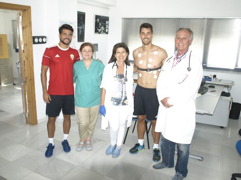 Foto de familia en el Centro Andaluz de Medicina Deportiva.