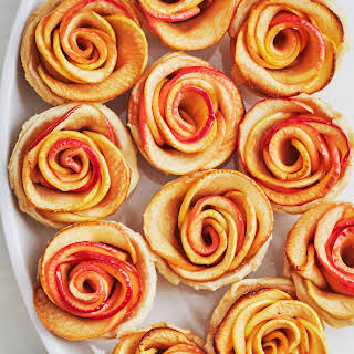Mini Apple Rose Pies.