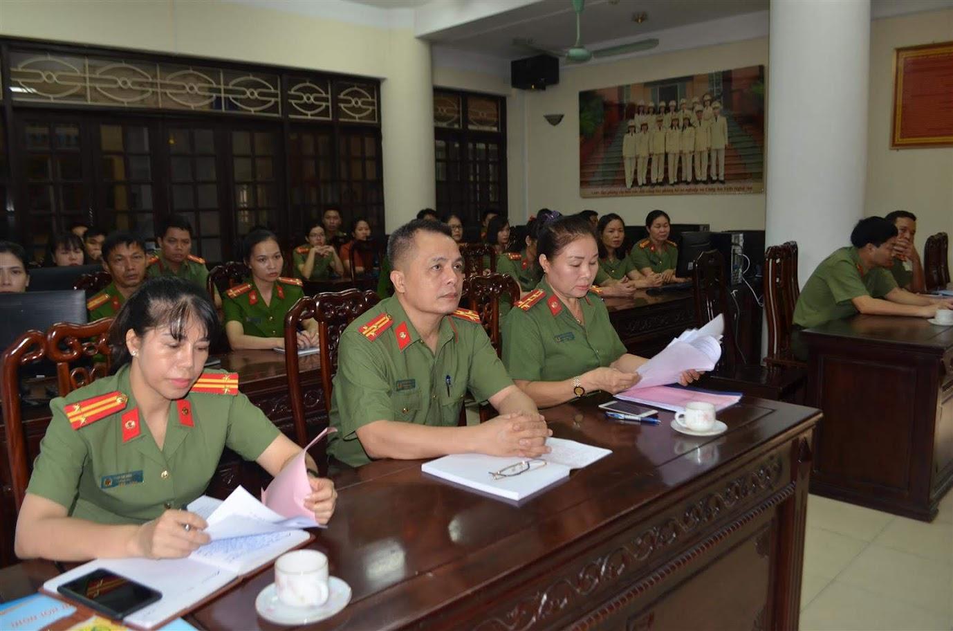Lãnh đạo, cán bộ, chiến sỹ tham gia Hội nghị tập huấn