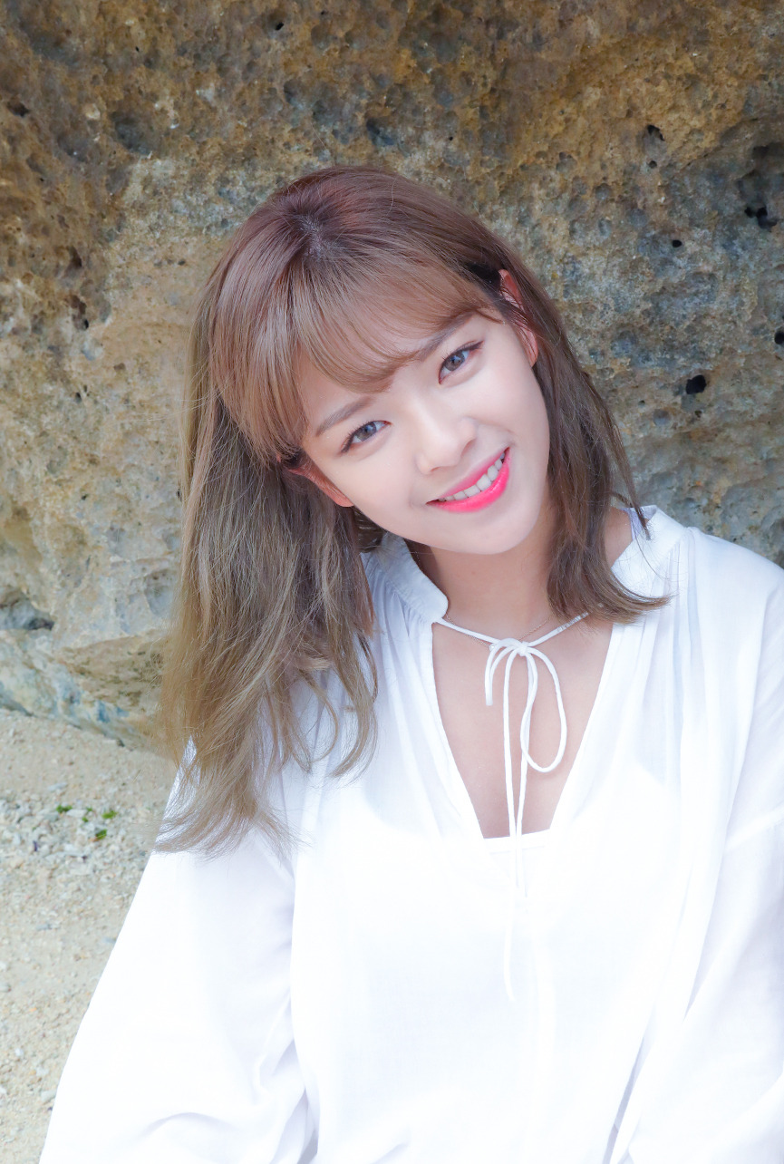 Twice S Jeongyeon Is So Beautiful She Can Pull Off Any Look