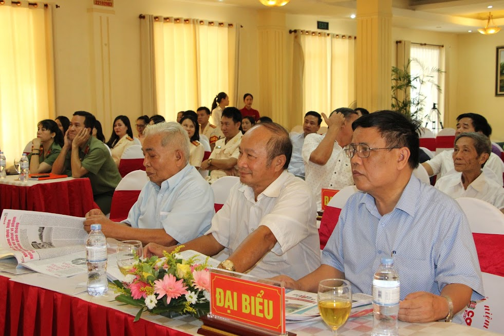 Các đại biểu tham dự buổi tọa đàm.
