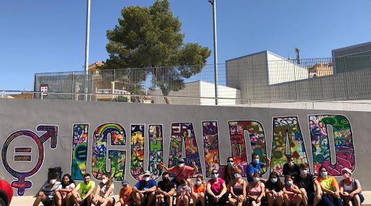 8-M: Almería se tiñe de morado por la igualdad