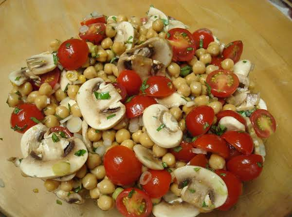 Chickpea, Tomato And Mushroom Salad