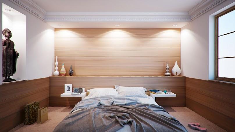 Sufit podwieszany w sypialni