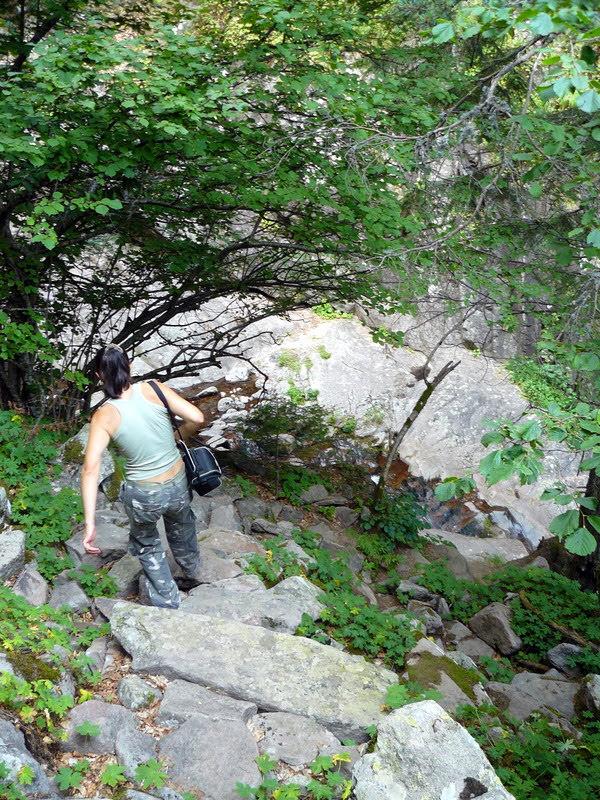 Спускане покрай водопад Орфей