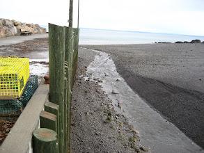 Photo: Deniz seviyesine dikkat.  Kütüklerin 40 cm altına kadar su yükselecek. Hem de 6 saatte.